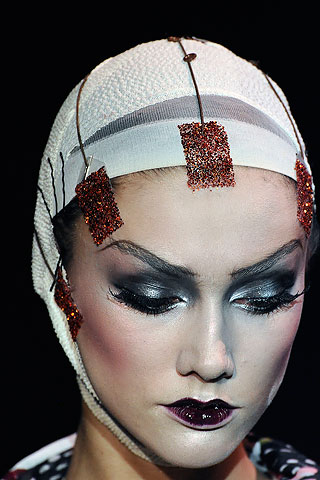 Makeup-artist-pat-McGrath-for-john-galliano-03